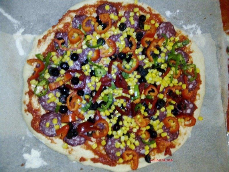 четвертий шар домашньої піци