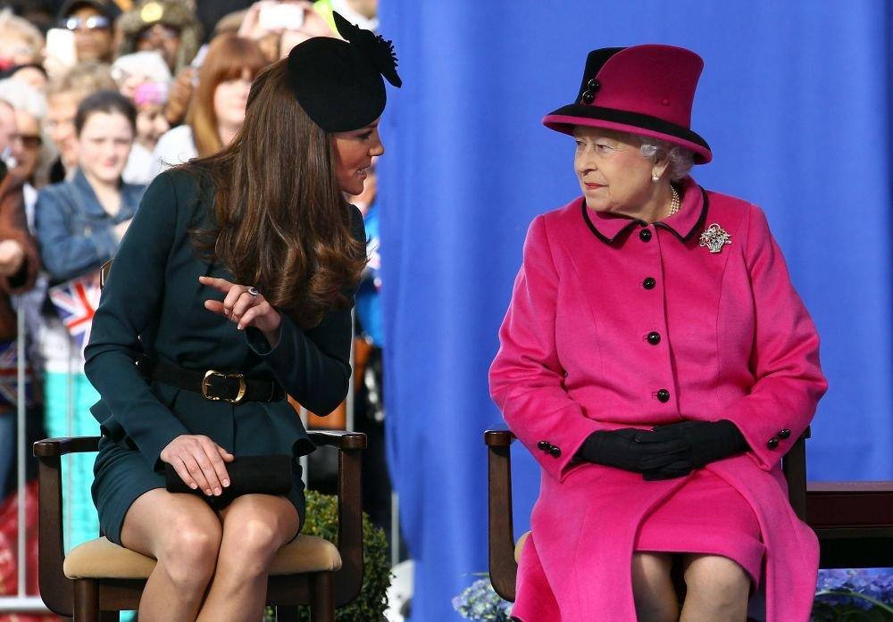 Кейт и королева Елизавета стильные женщины! (ФОТО)