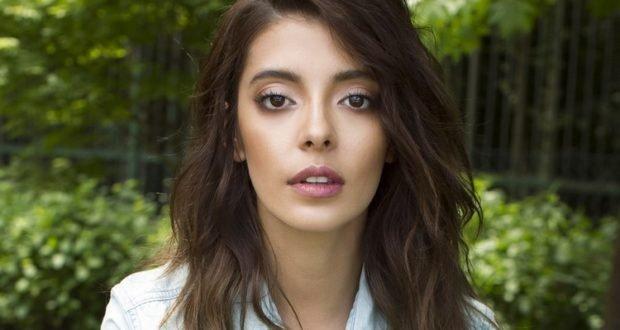 Селін Шекерджи популярна турецька актриса