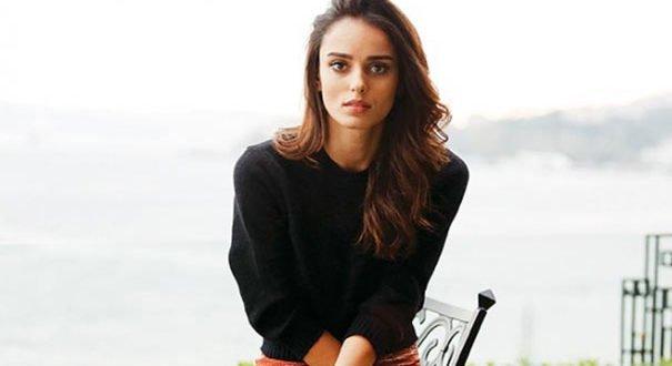 Турецкая популярная актриса Бестемсу Оздемир