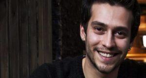 Турецкий популярный актер Экин Коч