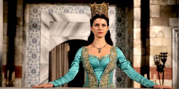 Турецкая актриса Берен Саат в роли Кёсем