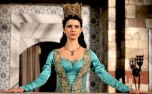 акторка Берен Саат в ролі Кьосем Султан