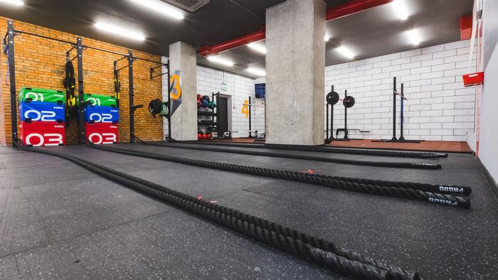 посещать фитнес зал