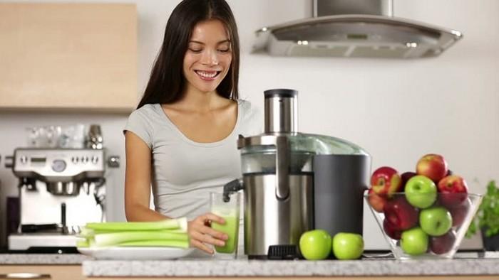 приготовление фруктового или овощного сока