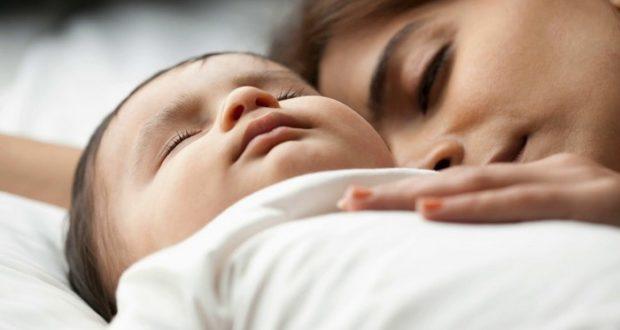 приучить ребенка спать